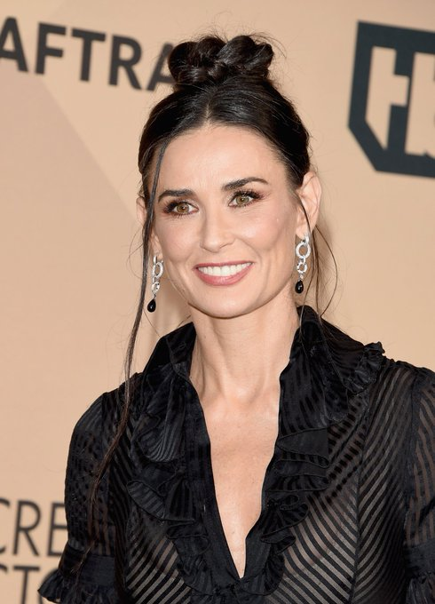 Happy birthday to the gorgeous, mature Demi Moore!