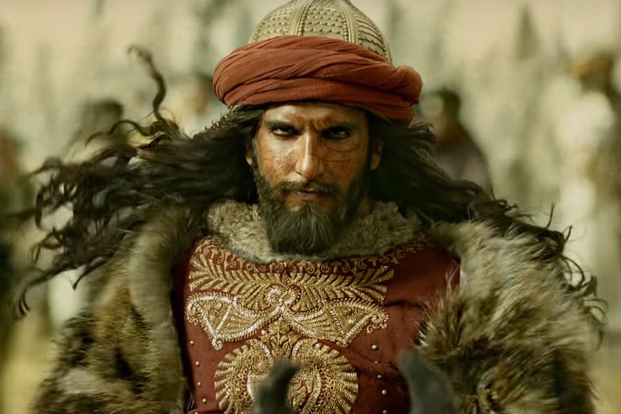 As #RanveerSingh transforms into another character - #KapilDev, here's what the actor told us about his process of getting into the skin of Khilji from #Padmaavat:  http:// bit.ly/36RMxSC        #RanveerAsKapil <br>http://pic.twitter.com/ZIBF8MKX9W
