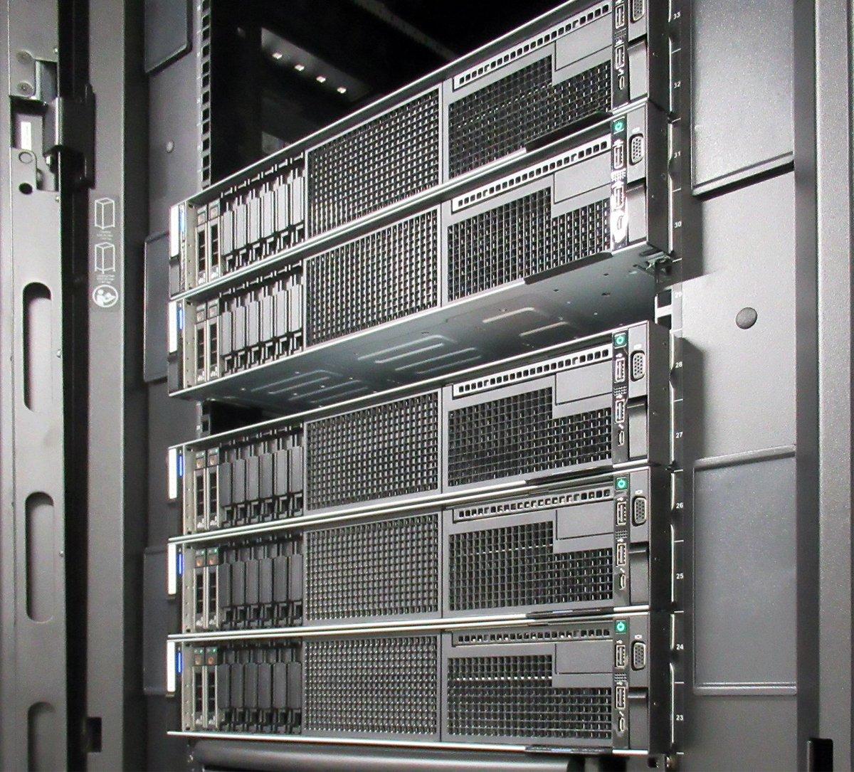 CPUの高速化に伴い、大容量メモリ搭載サーバーによる大規模シミュレーションの需要も増大しています。Intel Optane DC パーシステント・メモリー・モジュールの利用等、大容量メモリを構成するための手法が増えた現在の状況を整理しました。  大容量メモリ構成選定ガイド http://bit.ly/2PyfEFK