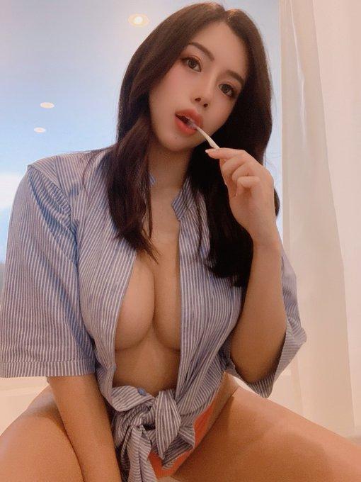 AV女優の自撮りエロ画像10