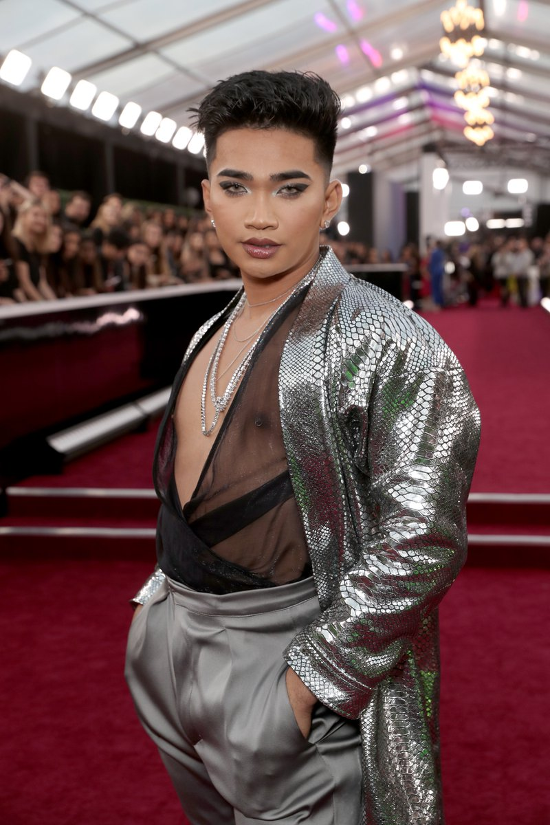 singer, song writer, actor, actress, athlete, activist, a scientist on the mfing side, the star of the crystal of the dayayayyayaayy, coconut water connoisseur and THE INFLUENCER OF THE YEAR: @bretmanrock #PCAs