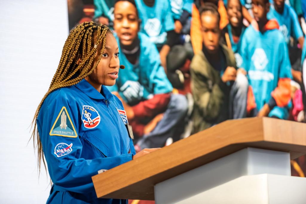 Aspiring scientist, engineer and astronaut Taylor Richardson, aka @astrostarbright, is not your typical teenager. Hear how she's reaching straight to Mars and beyond! #SheCanSTEM #NationalSTEMDay  https:// ibm.co/33CdaJn    <br>http://pic.twitter.com/I8EZwpOWYD