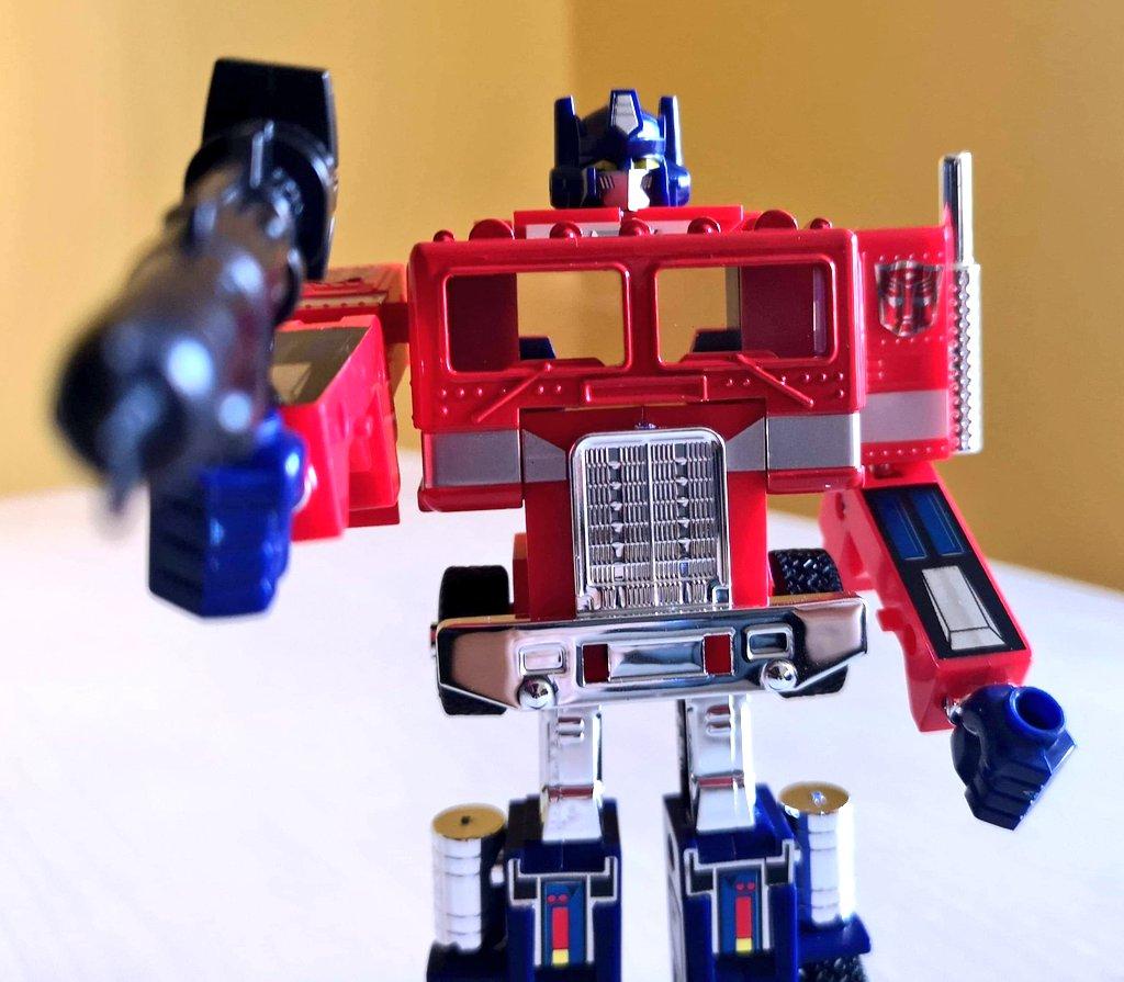 #sevendaysofprime  Day 1: G1 Optimus!