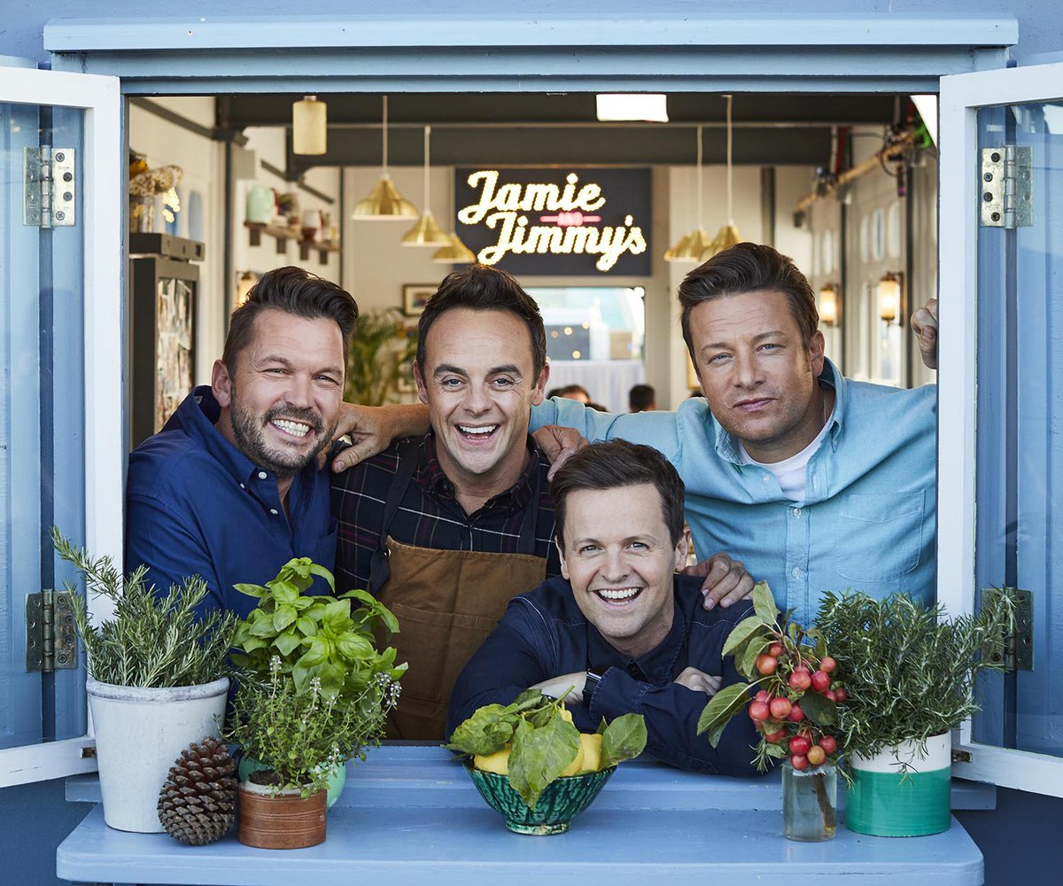 Jamie & Jimmy's #FridayNightFeast returns next month as more stars join @jamieoliver & @jimmysfarm to cook up a storm on Southend Pier – including @antanddec, Saoirse Ronan and @SusanSarandon channel4.com/press/news/ant…