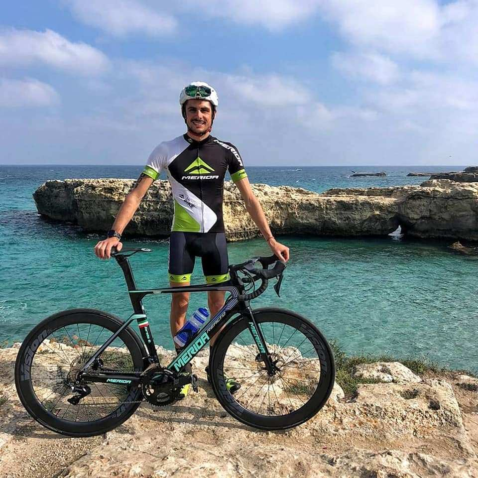 Una foratura non ferma Michele Sarzilla all'ITU World Cup #Triathlon Santo Domingo #ioTRIamo #mondotriathlon @federtriathlon @worldtriathlon