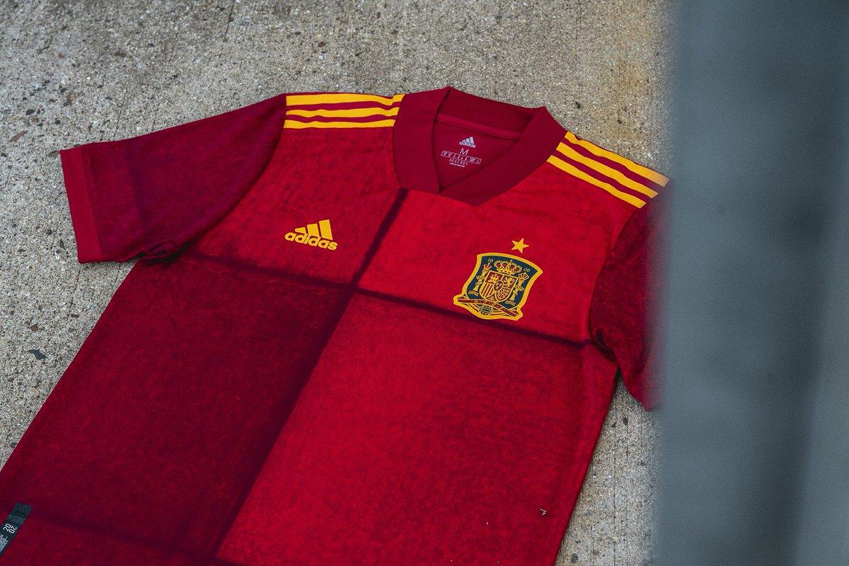 Spanien präsentiert neues Trikot für die EM 2020