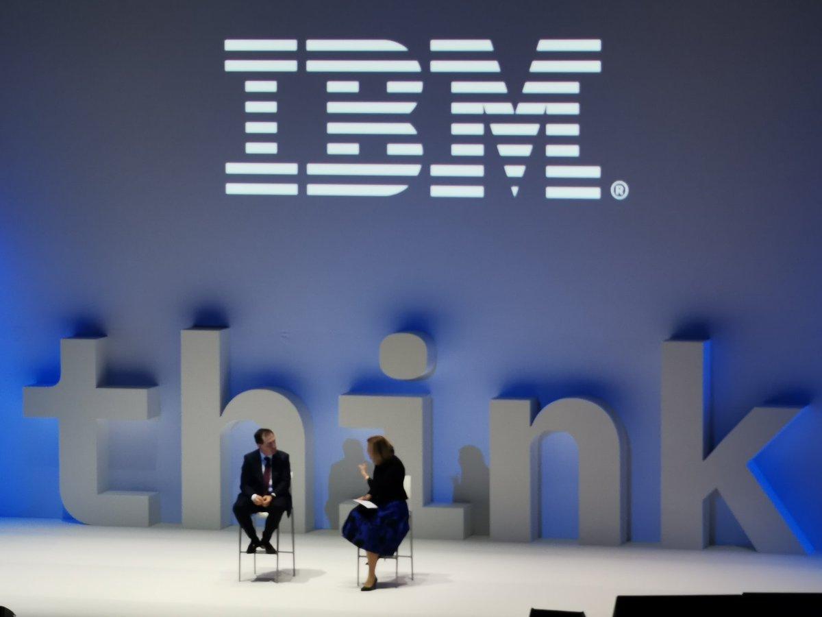 Comienza el congreso #ThinkMadrid de @IBM_ES. Marta Martínez, directora general, augura un futuro basado en estándares abiertos tras la adquisición de @RedHat #opensource #cognitive #AI 👇 https://t.co/fEBYHJMG4H