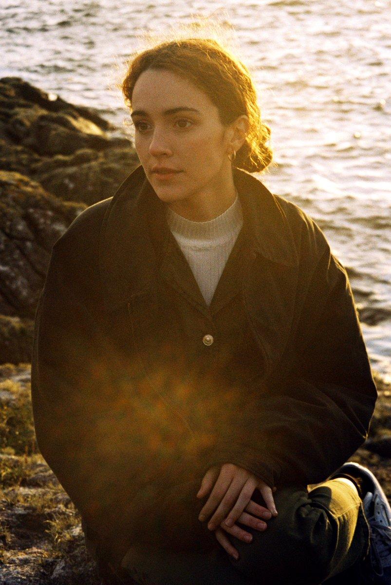 "New single ""Connemara"" out • 22nd of november Filmed in Connemara by @escafiorfilms Foto de @marccusco  #Marjorie #2020 #NewRecord  MOLTES GANES! 💕💕💕💕 @Primaveralabels @UniversalSpain"