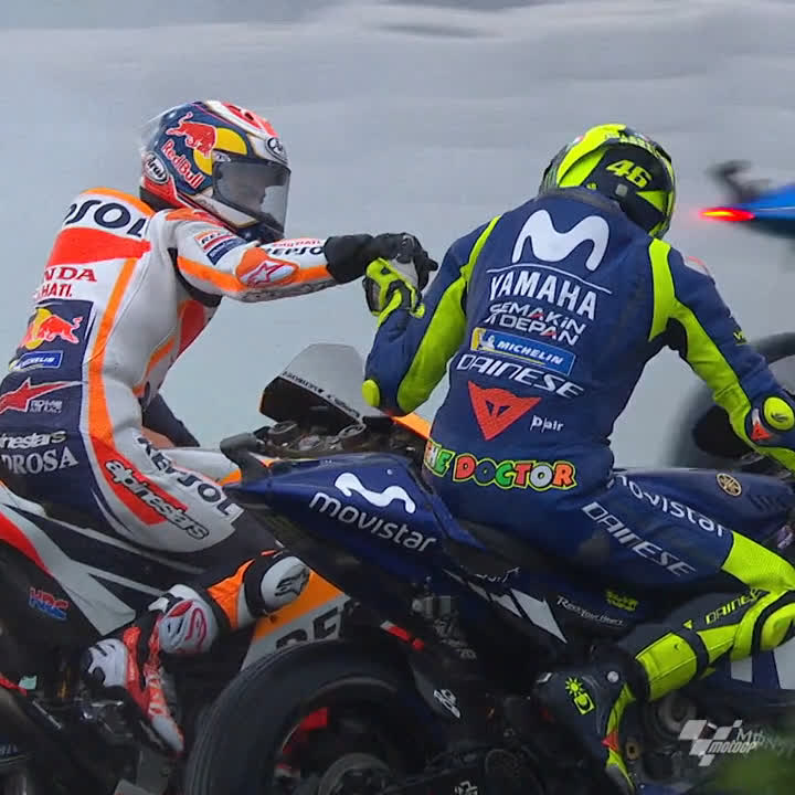 RESPECT between legends of the sport 🙌 This is how @ValeYellow46 congratulated #MotoGP Legend @26_DaniPedrosa right after the Spaniard finished the last GP race of his career at the 2018 #ValenciaGP 🏁