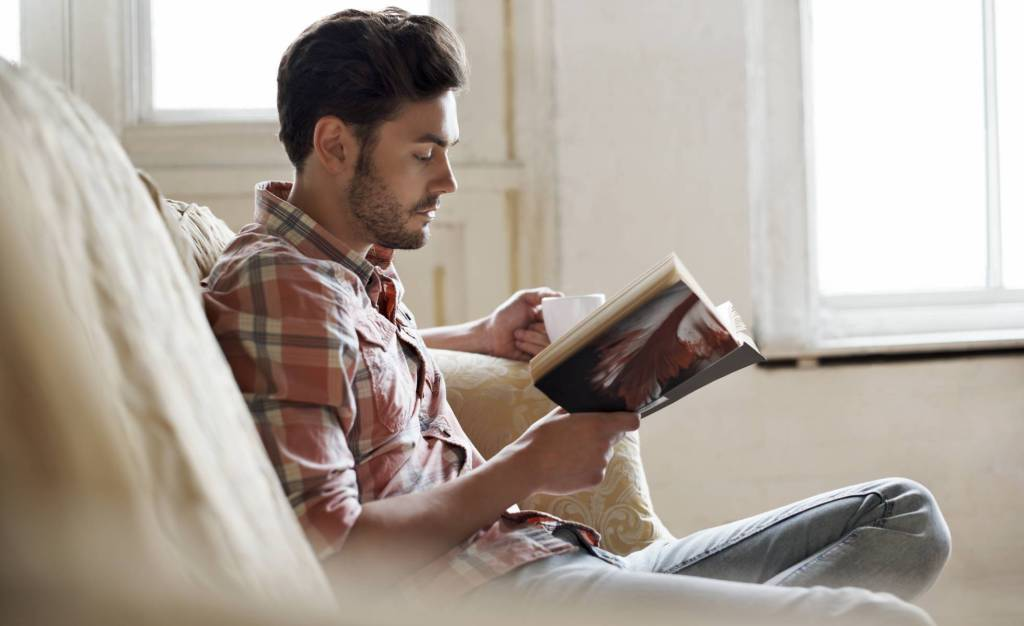 LITERATURA | Círculo de Lectores se despide para siempre. Nos lo cuenta @aliciafm96  #Libros  #Actualidad  #Lectores   https://www.timejust.es/cultura/circulo-de-lectores-se-despide-para-siempre/  …