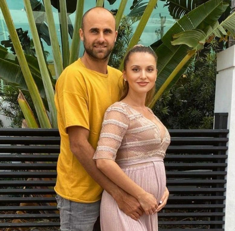RT @droppingshot28: Marius Copil will be a dad soon🥳!Couldn't be happier for him 🥰👶🏻 https://t.co/yNF8IEw8B2