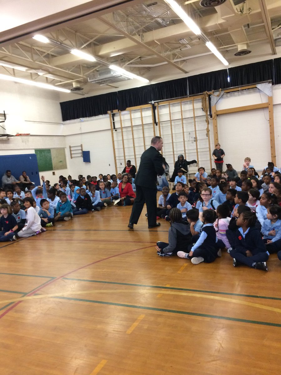 Major Jonathan Fortin-Grondin of the Canadian Armed Forces inspired children by sharing his experiences #RemembranceDay2019 @TDSB_Gosford @jenniferhall62 @LC2_TDSB @tdsb_helen
