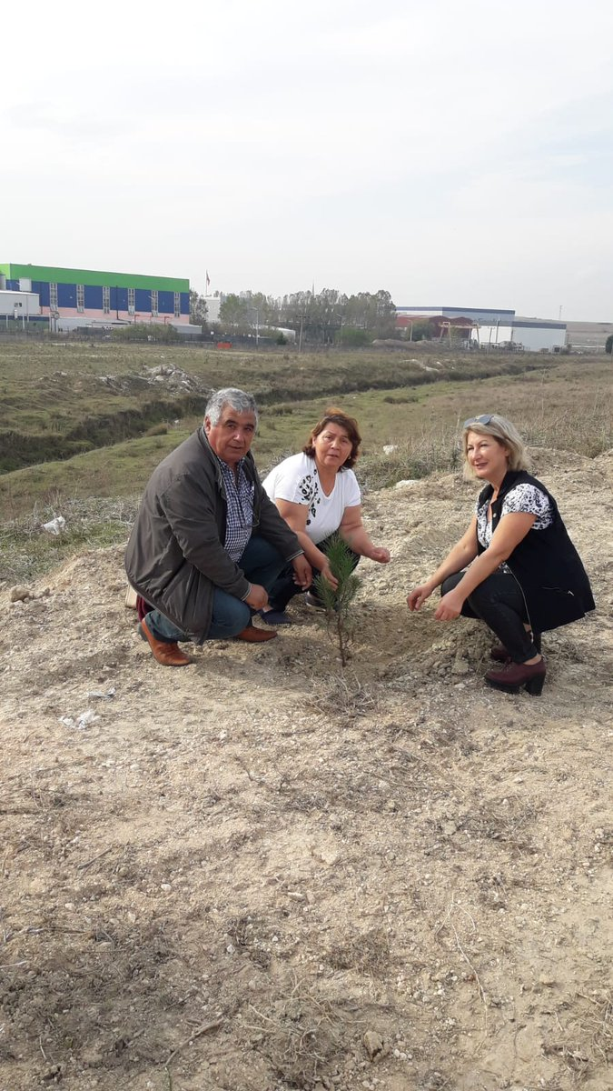 İYİ Parti Kapaklı İlçe Yönetimi olarak Milli Ağaçlandırma Günü münasebetiyle Türkiye genelinde yapılan ağaçlandırma kampanyası kapsamında Kapaklıda  düzenlenen programa katılım sağlayarak,ağaç fidalarımızı diktik.