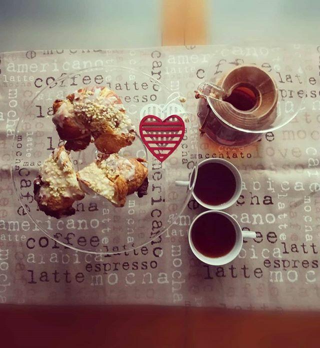 W Święto Niepodległości 🇵🇱 Rogale Świętomarcińskie 🥐 najlepiej smakują z pyszna😋 kawą ☕ U nas akcesoria do zaparzania kawy i herbaty w promocyjnych cenach🤑 Zapraszamy 📢😘😍#specialitycoffee #chemexlove #coffeaddict #coffeefreaks #świętoniepodległości #independenceday2019 …