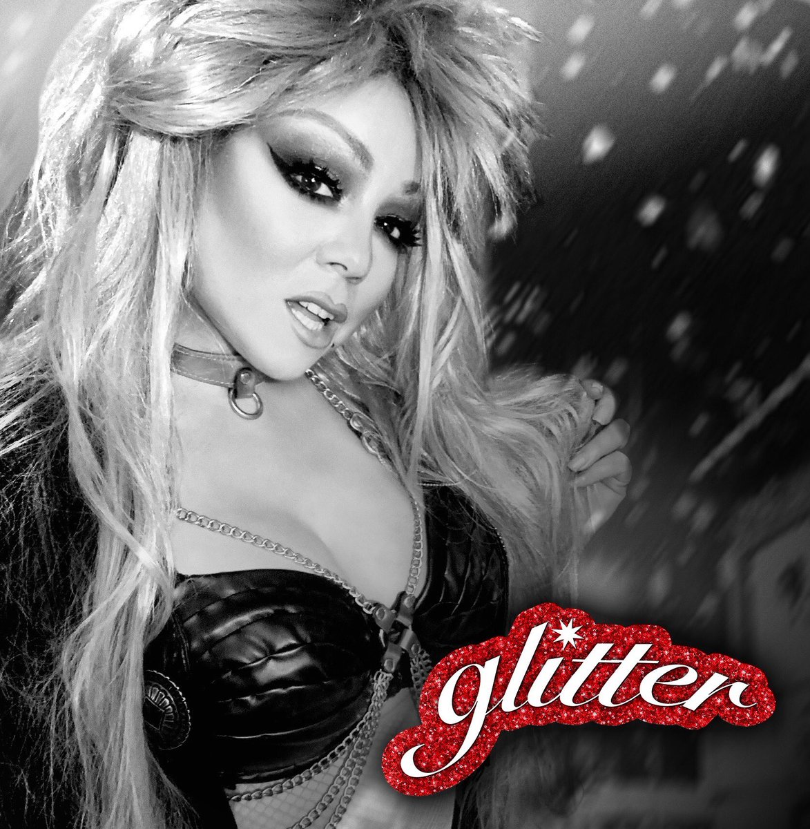 Can't believe it's been one year since the lambily got #justiceforglitter  That was a moment! I promise you I'm working hard to make it available for download and streaming <br>http://pic.twitter.com/wWc7eUVeKX