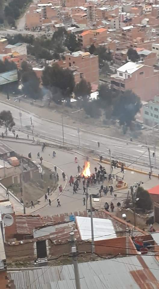 The government of Evo Morales and his militants after the gigantic and proven fraud, are threatening the entire Bolivian country, the 9 departments are being attacked, looted and burned in vandal acts, wanting to cause chaos #concluELEXBOL19  #concluELEXBOL20 <br>http://pic.twitter.com/CXJjWiUyjU