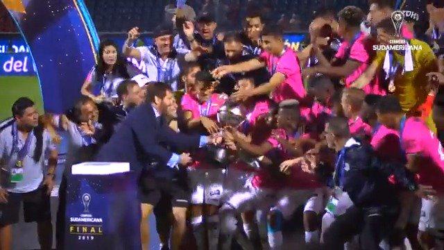 💪🇪🇨 ¡@IDV_EC, el orgullo de Ecuador! 🎞 La película del año para el campeón de la #Sudamericana.