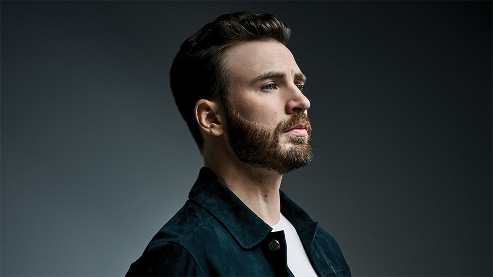 """Chris Evans says #KnivesOut """"felt fresh & new. I think this weird chicken-and-the-egg thing, who started it? Did audiences only start going to lowbrow stuff, so that's what we started making? Or is it that we made it first, & now that's all we're offered?""""  http:// wp.me/p2WgDE-1jrl3z    <br>http://pic.twitter.com/dfMhIDnptl"""