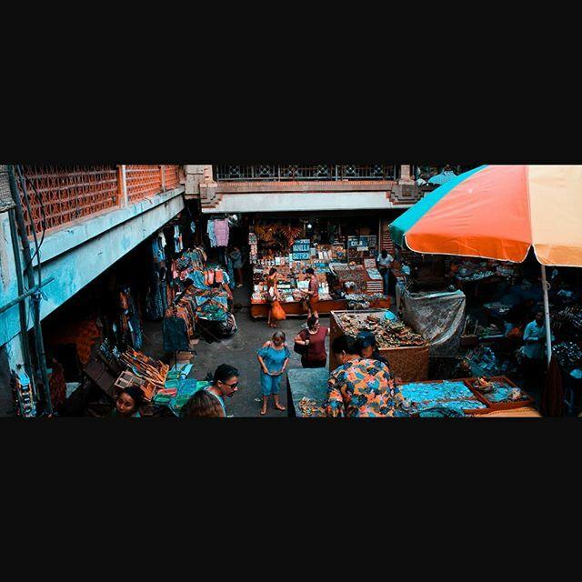 Basement market.#photography #cinematography #composition #cinematic #wideshot #widescreen #keyframe #streetphotography #instagood #Instagram #instashot #instadaily #picoftheday #bali #ubud #market #streetmarket https://ift.tt/36WOQnc