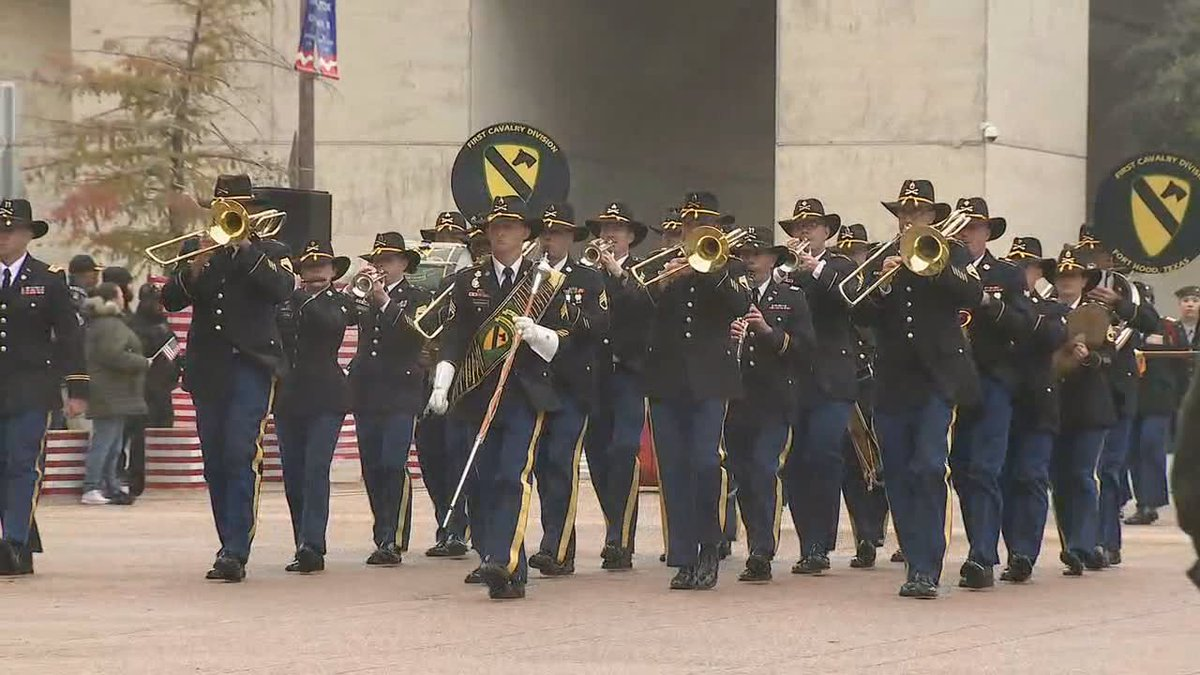 Dallas annual Veterans Day parade is happening now. Its one of the largest Veterans Day parades in the country. bit.ly/34TfUBY