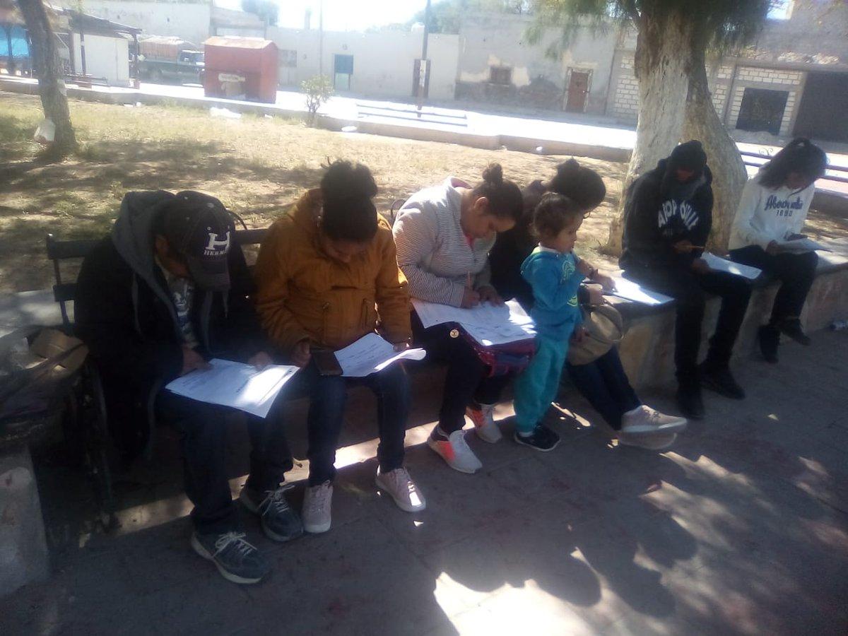 Con éxito se llevó a cabo la Aplicación de Exámenes de la Jornada Nacional de Acreditación y Certificación en la Plaza Principal del Municipio de Vanegas, S. L. P. Agradecemos a las Personas Jóvenes y Adultas mayores de 15 años que con entusiasmo estudian su #EducaciónBásica.