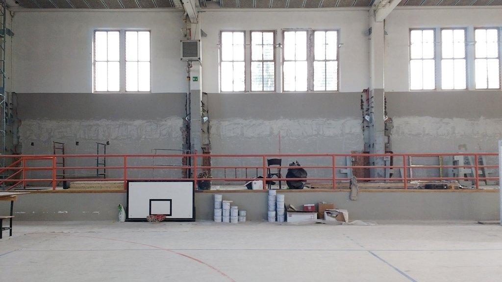 Scolastica Spalti #spalti #palestra #lavoriincorso #workinprogress #messainsicurezza #light #architecture #architettura #school #interiordesign #industry #contemporaryart #igersemiliaromagna #igersitalia #sport #windows #school #scolastica Discover #mala… https://ift.tt/1Vup0Pc