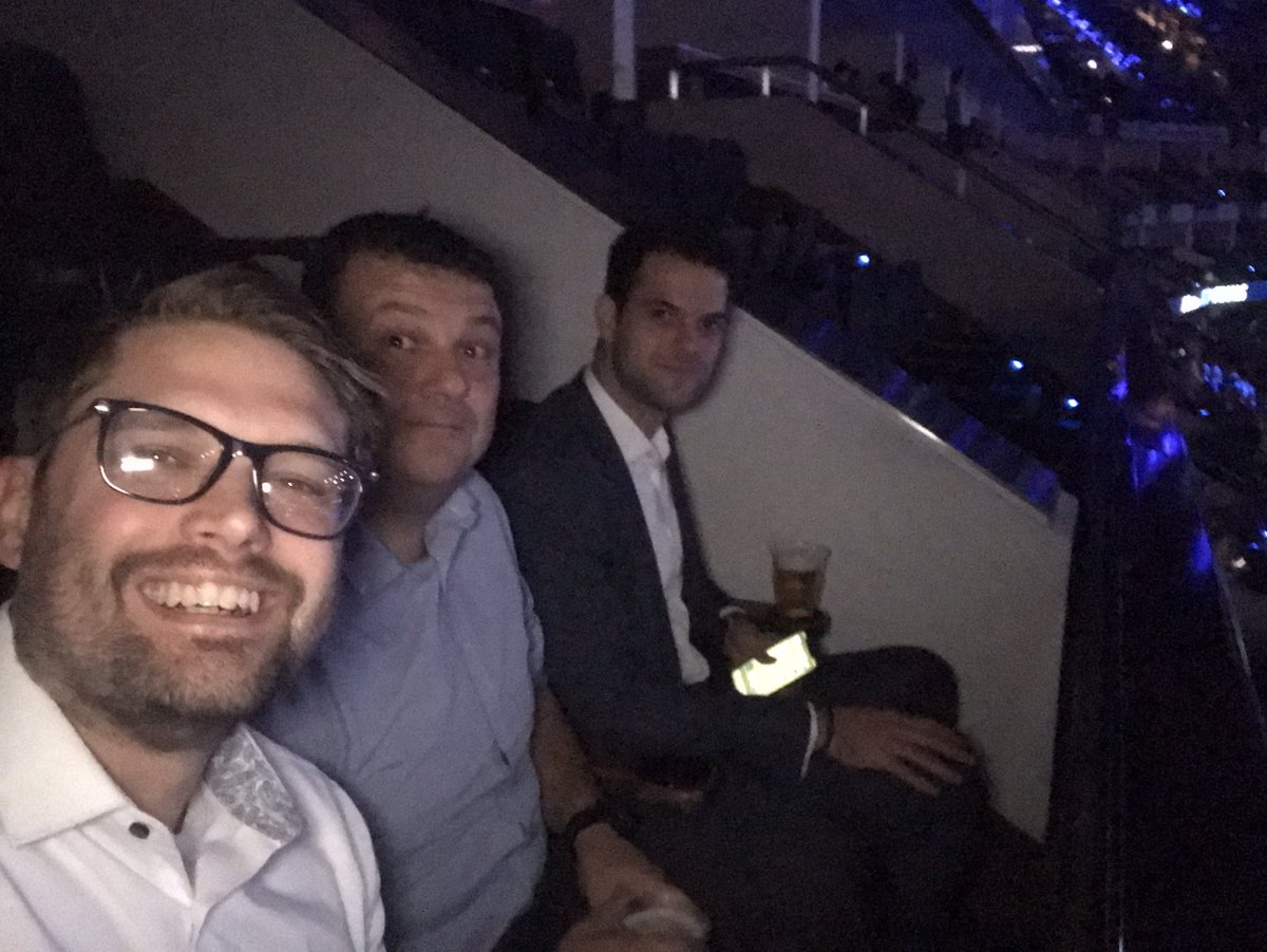 Waiting for Nadal to smash Zverev at the O2 arena #ATPFinals