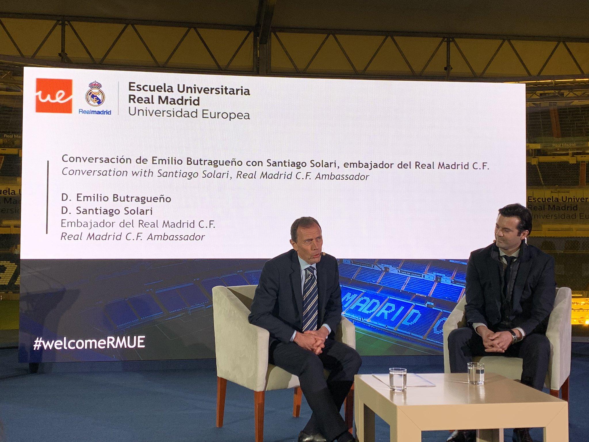 Santiago Solari, junto a Butragueño en la Escuela Universitaria Real Madrid.