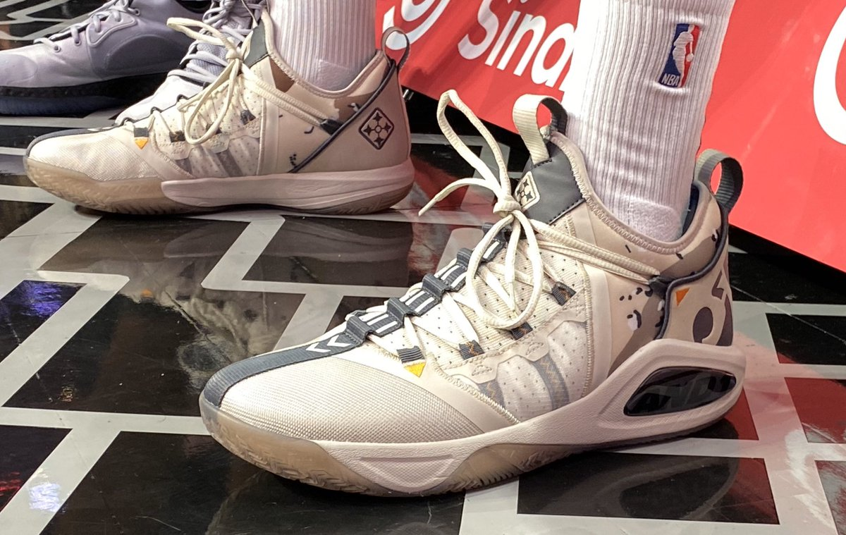 #HoopsForTroops x #NBAKicks  👟 @MONSTATREZZ