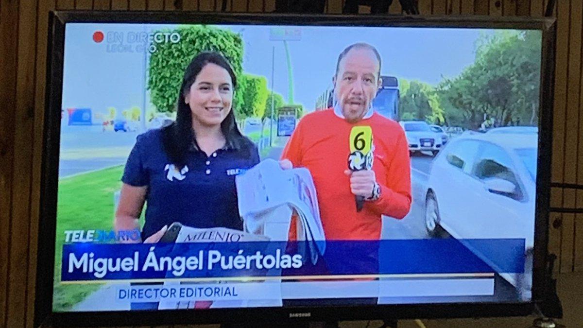 """Felicidades por la gran labor de periodismo que hacen día con día @milenio_leon ! @miguelpuertolas """"Para ti que pones el acento en ...."""" #milenio @tweetdejulian @arelycantu 🙌🏼📰"""