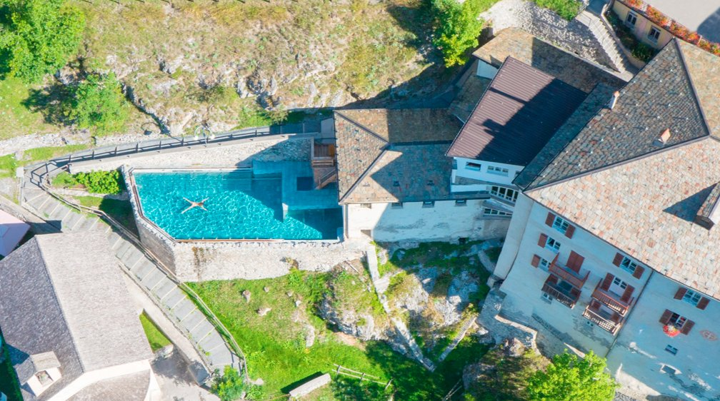 Grand Hotel Bagni Nuovi in Bormio, Italy. Isnt this type of reward what we work for every day ?! 7 outdoor pools and 30 different spa facilities. #bormio  #thermalspa  #wellbeing  #massage  QC Terme Grand Hotel Bagni Nuovi  http://www.LuxuryGroup.com    photo: QC GRAND HOTEL BAGNI NUOVI