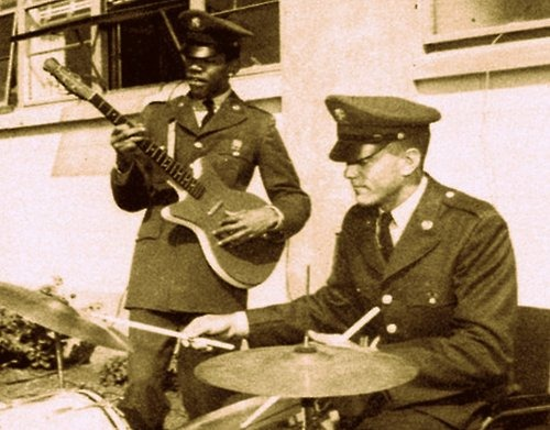 RT @ThatEricAlper: Jimi Hendrix playing guitar in the Army with the 101st Airborne Division, 1962. https://t.co/7IlhKFn3sO
