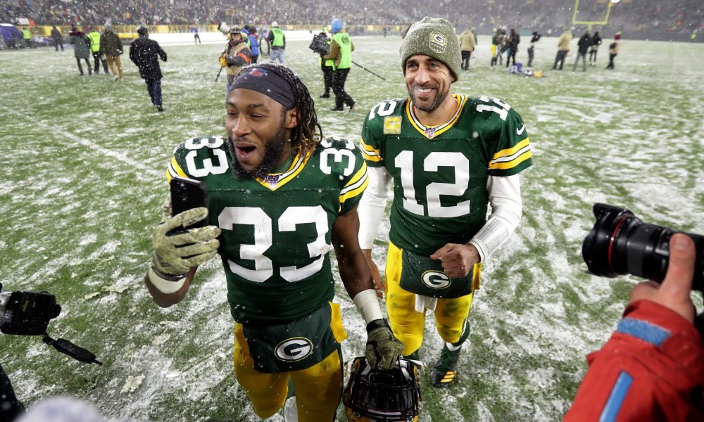 The @packers are marching into the #playoffs with a 8-2 record with this big leader @Showtyme_33 #mvp?