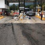 Image for the Tweet beginning: 🔴 #Accidente en la caseta