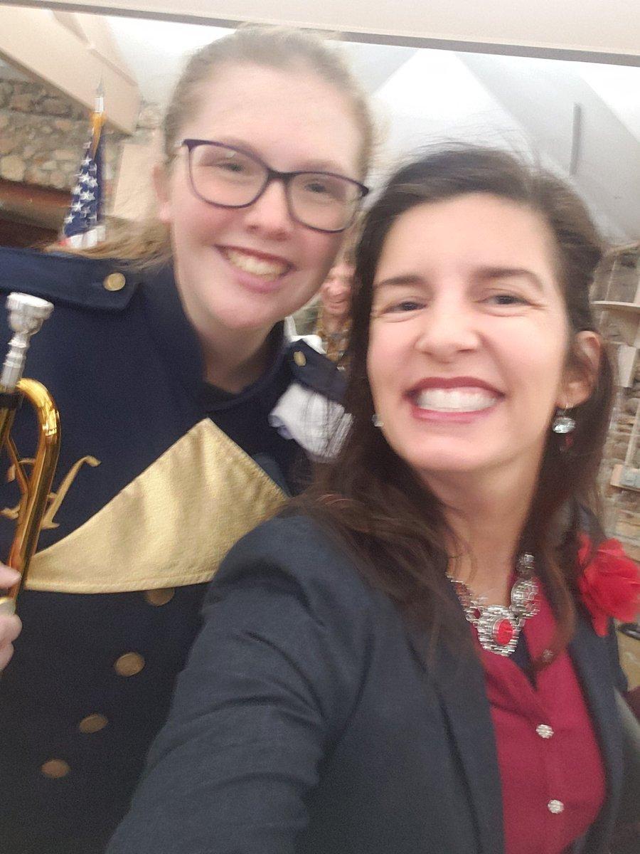 #BearSelfie with @MissouriState #FutureBear Logan, @heliascatholic band student played at Veterans Tribute 🇺🇸 🐻 #SelfiewiththeMayor #MayorTergin #MayorBear #MissouriState