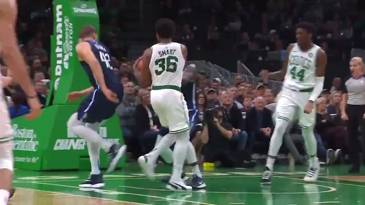 Marcus Smart turns defense into offense with the no-look, behind the back dime and earns your Heads Up Play of the Day!