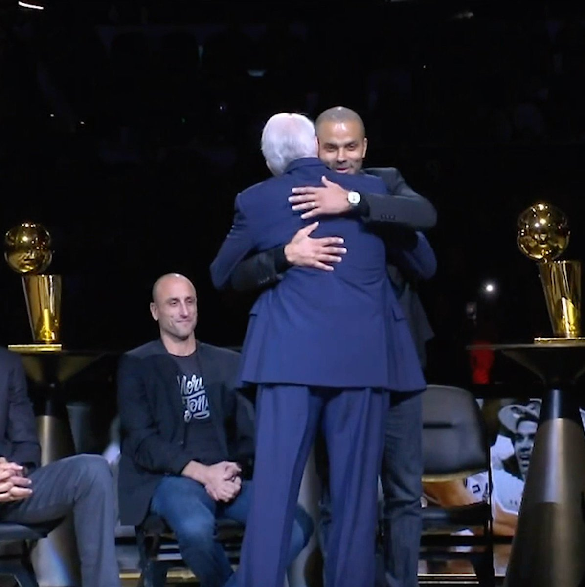 """Tony, I want to apologize for all the physical and mental abuse ..."" 😂  Gregg Popovich gives a speech the only way he can, with jokes and kind words, on Tony Parker's jersey retirement night. #MerciTony"