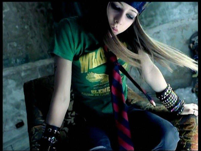 I got Skater Girl! Are You More VSCO Girl Or Sk8er Grl? buzzfeed.com/zobiwan/are-yo…