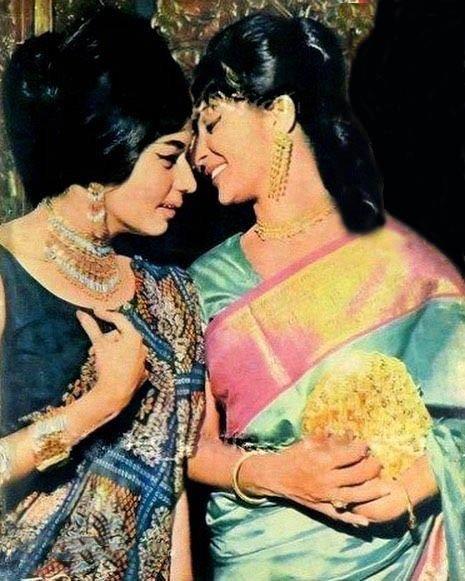 """Movies N Memories on Twitter: """"Best friends Nanda and Waheeda ..."""
