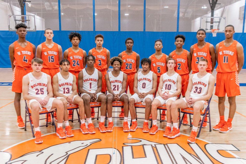 Whitney Young Varsity Basketball Team 2019-2020 #WYD4L #AllMoneyIn <br>http://pic.twitter.com/3yhPg7RNDr