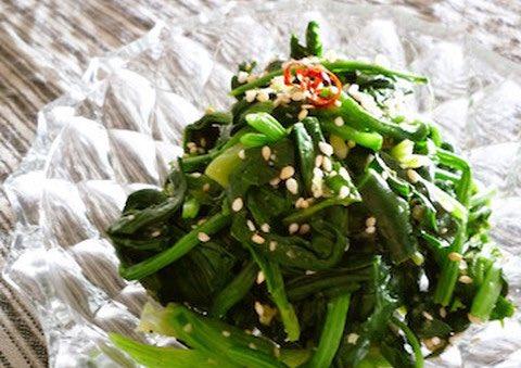 /お塩とごま油でシンプルおいしい!塩ナムル6選☺️\ㅤ万能副菜・塩ナムル。メイン調味料は、塩とごま油というシンプルな味付けだからこそどんなお料理にも合いますし、いろいろなお野菜さんとも合うんです✨ㅤ→箸休めにぴったり!どんな料理にも合う「塩ナムル」6選