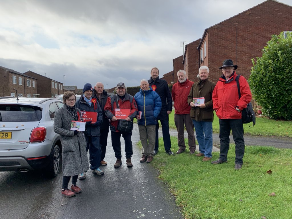 Grateful to all those who braved the rain to ask #Chesterfield people to #VoteLabour2019 on #labourdoorstep