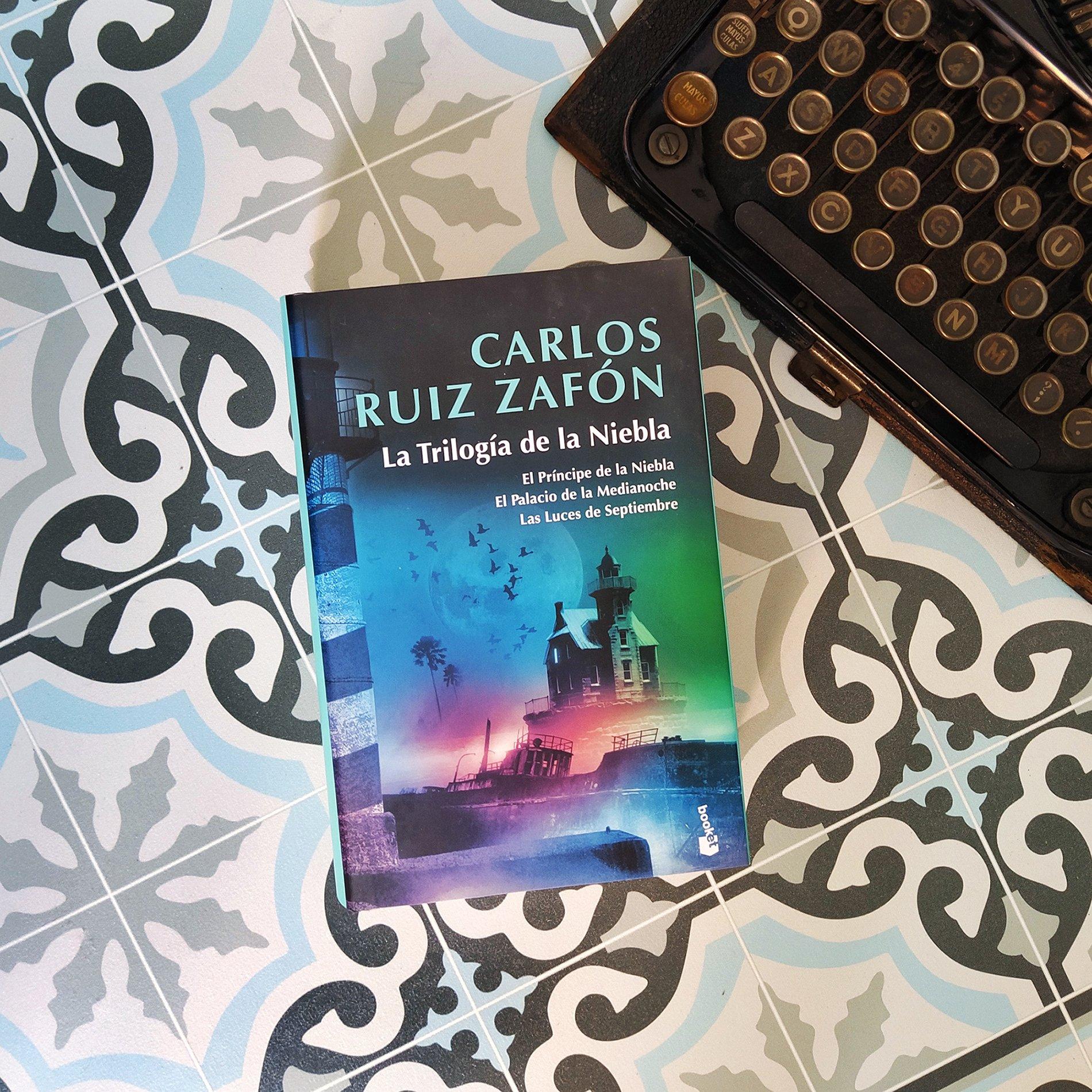 Carlos Ruiz Zafón On Twitter La Trilogía De La Niebla Nos Ofrece Una Inigualable Combinación De Aventura Misterio Y Emociones Ahora Disponible En Una Edición Especial Limitada En Tapa Dura Con Sobrecubierta