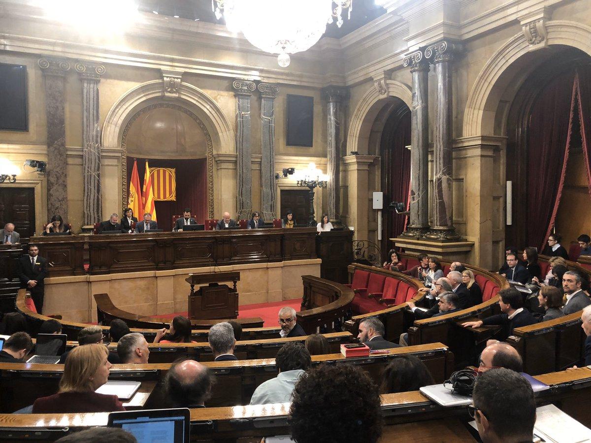 ERC y JxCAT solo votan a favor de la autodeterminación, y en contra de las medidas sociales
