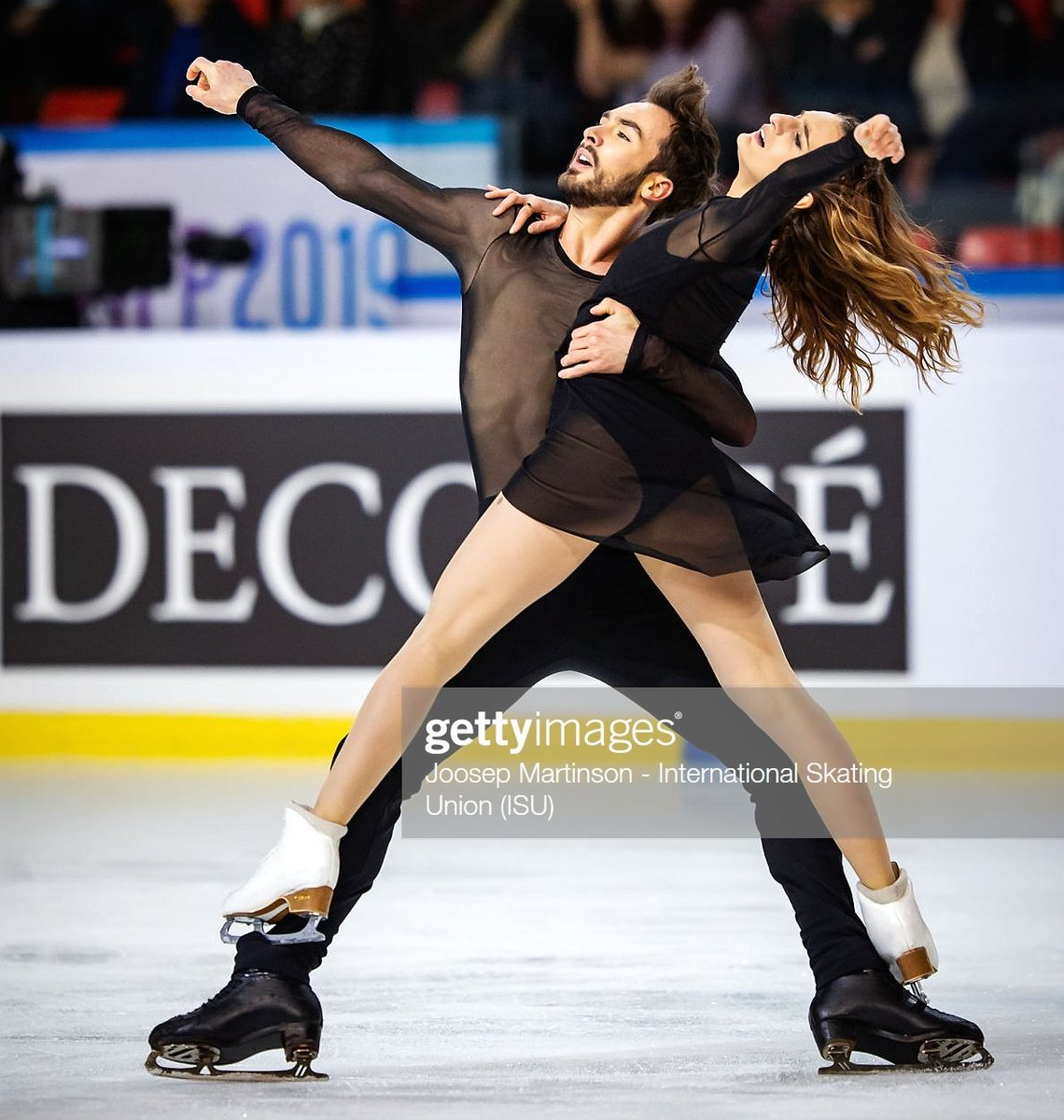 Happy Birthday  to  #GuillaumeCizeron - The Olympic  &amp; 4-time #WorldFigure  with #GabriellaPapadakis | GS Fan Fest @  http:// bit.ly/PapaCiz      | He likes art , fashion and food   2019-20 FD #OlafurArnalds #ForestBlakk #FigureSkating - Good Luck at #NHKTrophy ! <br>http://pic.twitter.com/WaK1CvzVxo