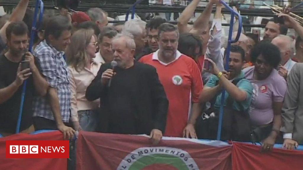Brazilian ex-President Lula gives speech after prison release http://dlvr.it/RJ71Mf