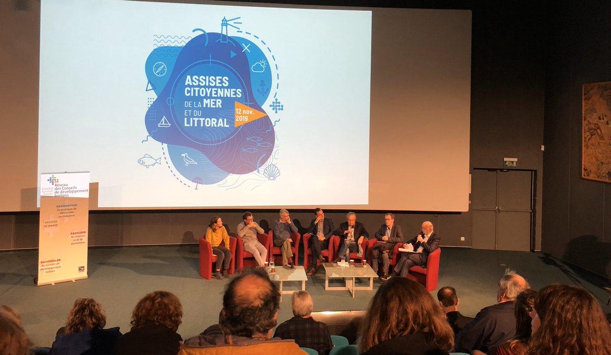 Hier ont eu lieu les 2e Assises citoyennes de la Mer et du Littoral à Oceanopolis Brest, avec la participation de D. Bailly #UBO #AMURE sur la table ronde Enjeux & Actions locales  pour un développement  durable des territoires maritimes https://t.co/1BDDdcrGAM