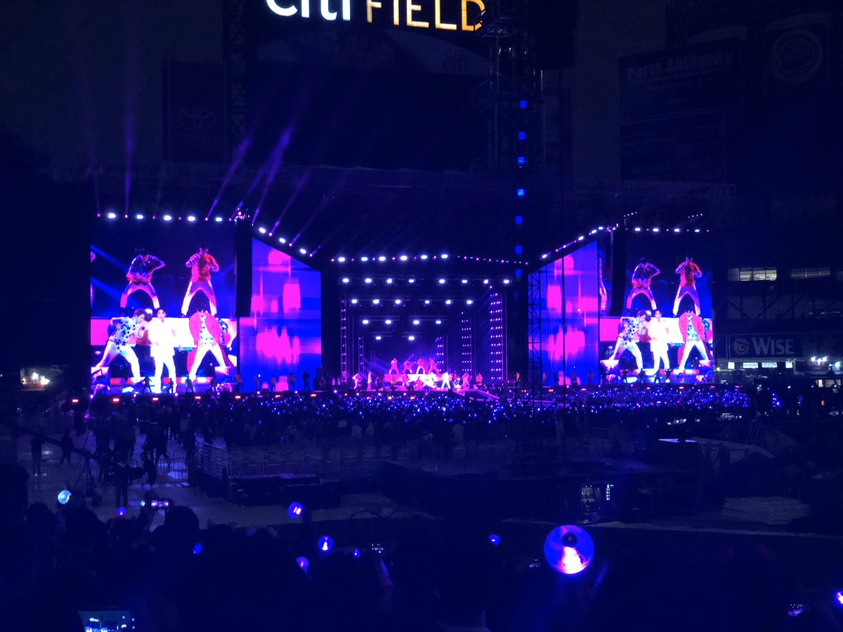 My first concert ever in life was CitiField & I got to do it with my daughter who only decided weeks before that she too loved @BTS_twt & needed to go. If you only knew the sacrifices that had to happen for that trip!! It was rough but I'd do it all over again! #MemoriesWithBTS <br>http://pic.twitter.com/hsOerN9euh