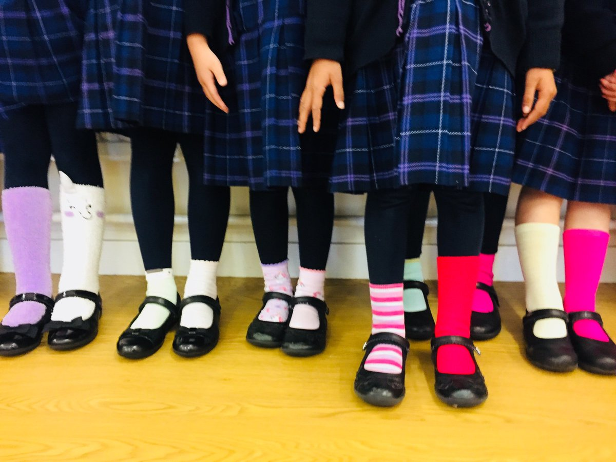 We are all unique, We are all different @SuttonHighGirls @gdst #OddSocksDay  @andyoddsock @ABAonline <br>http://pic.twitter.com/ykf6p2nSiK