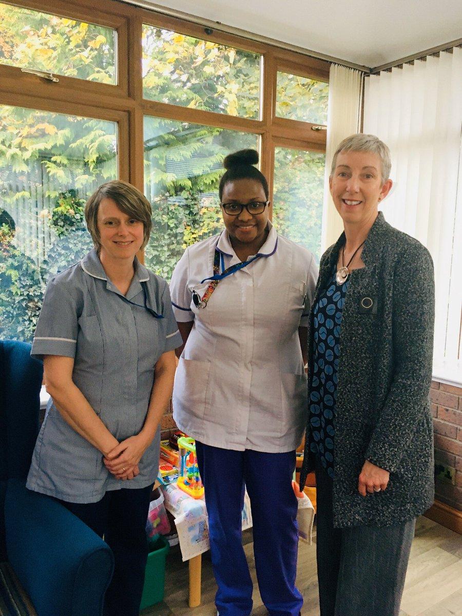 Student nurses @NursingGlyndwr #NursingGlyndwr @GlyndwrUni raise money at impromptu cake bake sale. Today #studentnurse @Cat_Mandooo & myself hand over the funds raised to grateful staff @NightingaleHH @wrexham #hospice #doingagreatjob #caring #kind #compassionatecare Thank you